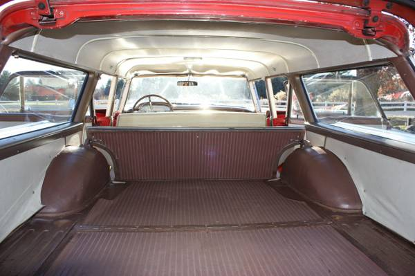 '59 Ford wagon back