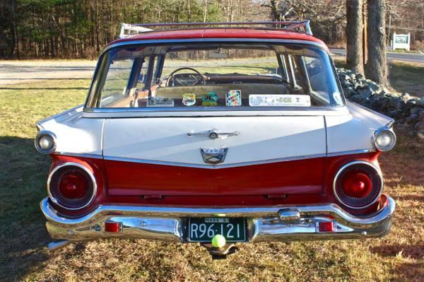 '59 Ford wagon rear