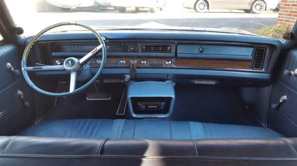 Room For 9 1968 Pontiac Catalina
