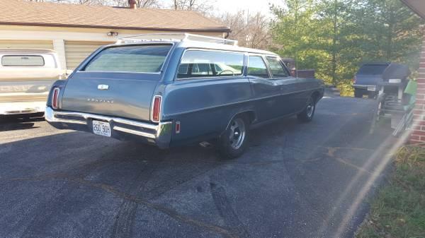 '68 Catalina wagon rear right
