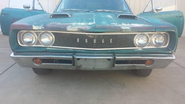 '68 Dodge Coronet front