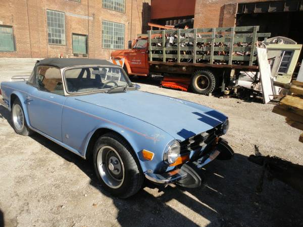 '74 TR6 right side