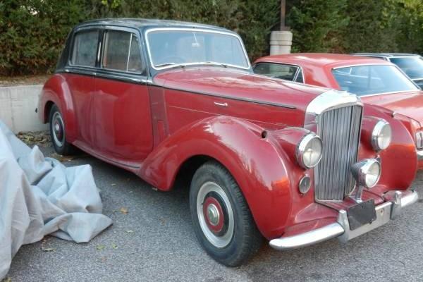 Beautiful Barn Find: 1954 Bentley R-Type