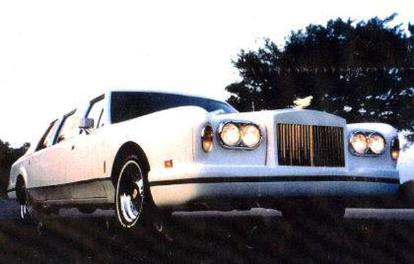Happy New Year 1989 Rolls Rincoln Limousine