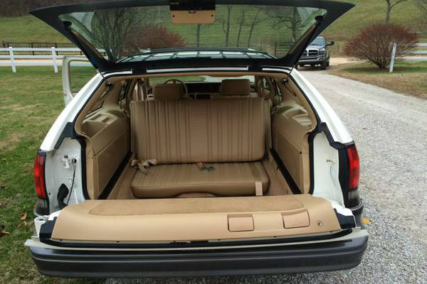 What Would A Full Size Wagon Be Without The Rear Facing Jump Seats Watching America Go By Backwards Was Common Thing For Smallest Kids In Family
