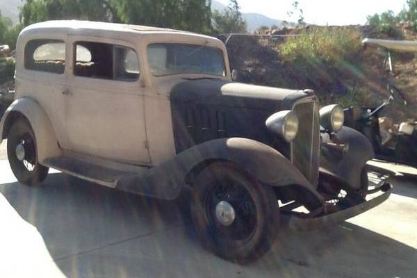 Rough inside 1933 chevy 2 door for 1933 chevy 2 door sedan