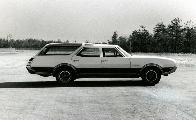 oldsmobile-vista-cruiser-455-road-test-archived-review-car-and-driver-photo-599421-s-original