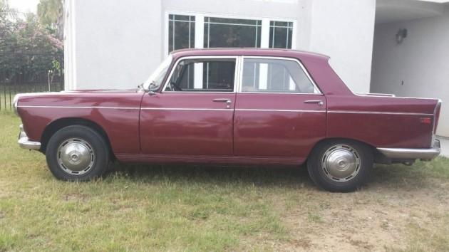 Intact Gallic Sedan: 1968 Peugeot 404