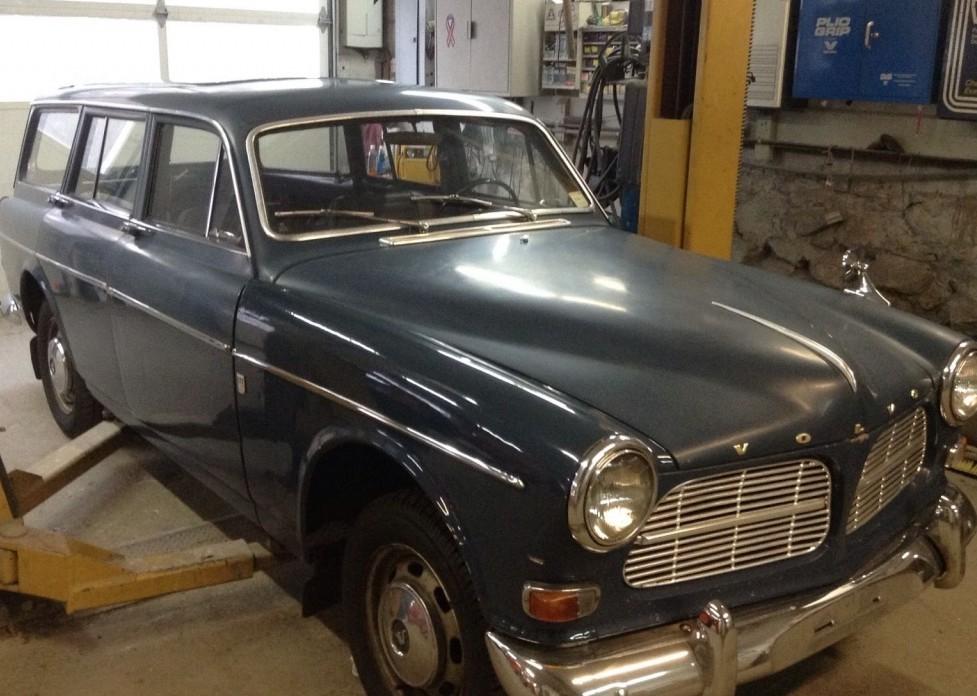 1966 Volvo Amazon Wagon: Accident Victim