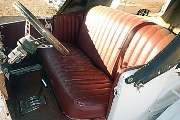 1927 Ford Model T Interior