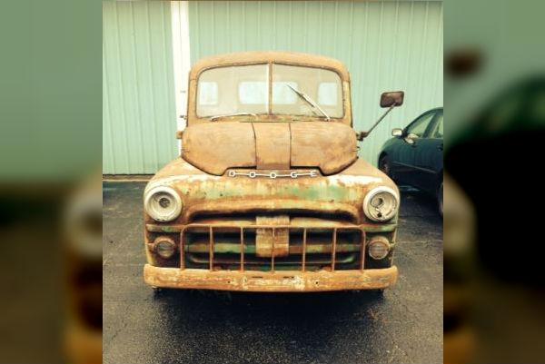1953 Dodge B4B 5-Window