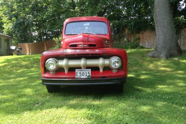 52 Ford PU front