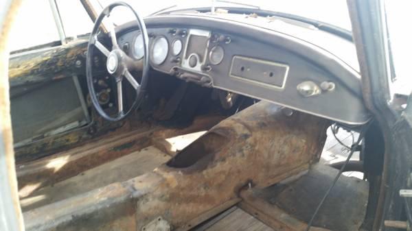 '59 MGA coupe int.