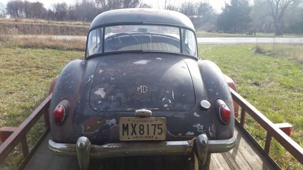 '59 MGA coupe rear