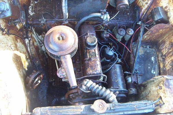 '59 TR10 wagon engine