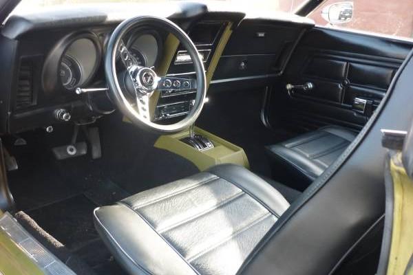 73 Mustang interior