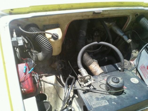 '76 Robin engine bay