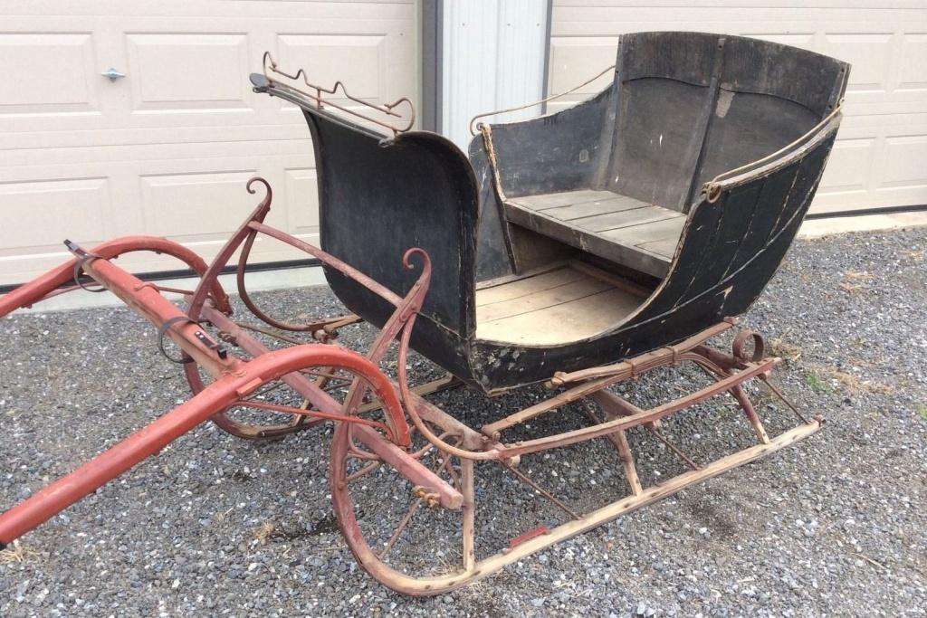 North pole finds vintage horse drawn sleighs for Vintage horseshoes for sale