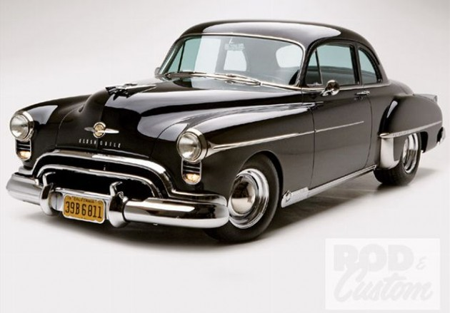 0910rc_01_z+1950_oldsmobile_futuramic_88_deluxe_club_coupe+front_bumper