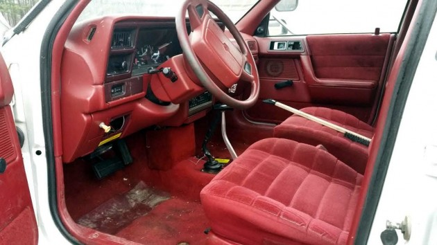 1993 Plymouth Acclaim 4x4 Interior