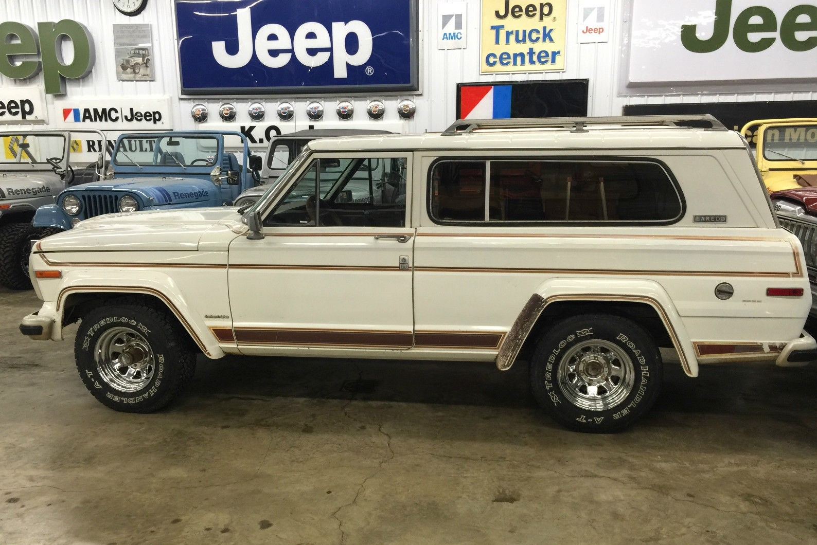 Jeep Wagoneer For Sale >> Spokers And Flares: 1981 Jeep Cherokee Laredo