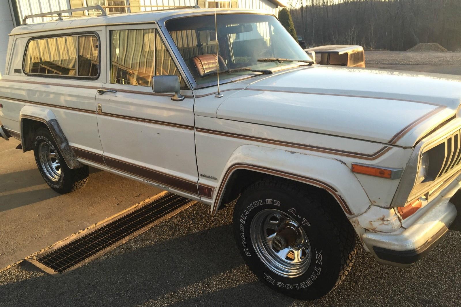 Spokers And Flares: 1981 Jeep Cherokee Laredo