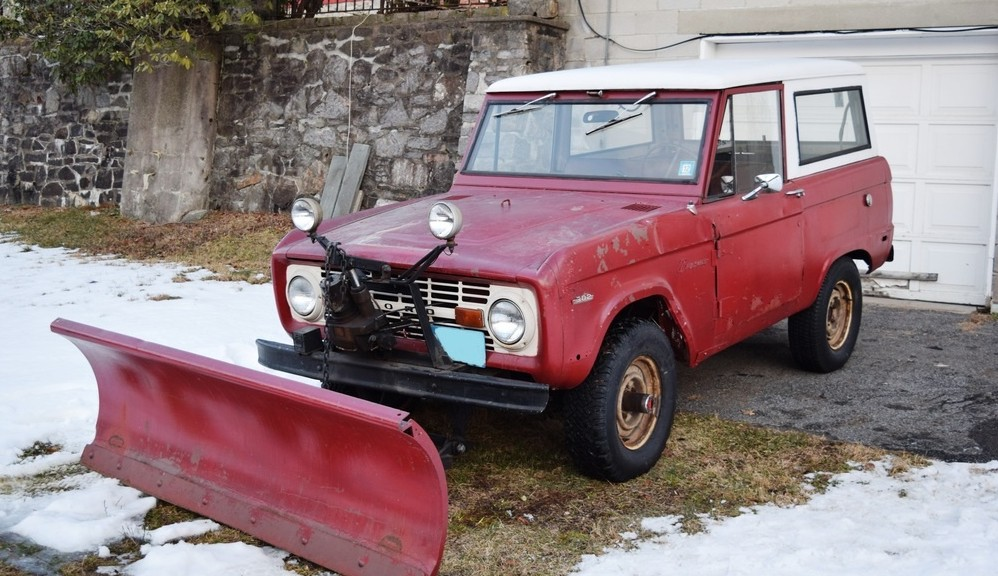 Gas Station Plow: 1969 Ford Bronco
