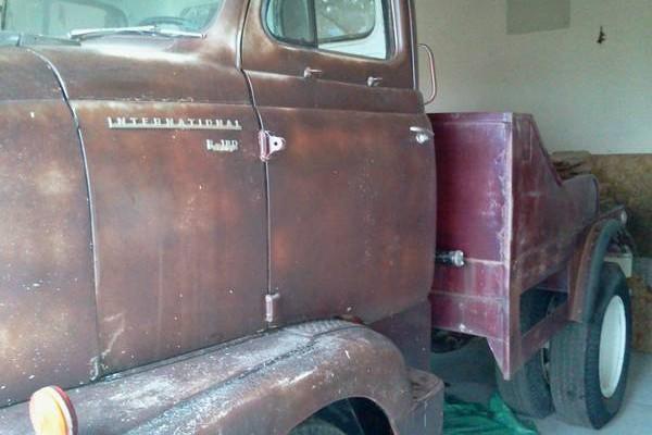 031016 Barn Finds - 1955 International 3