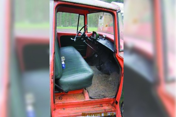 031216 Barn Finds - 1960 International Pickup 4