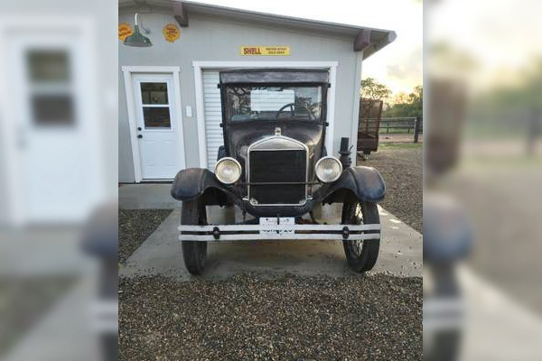 031716 Barn Finds - 1927 Ford Model T 3