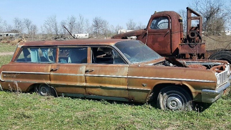 031716 Barn Finds - 1964 Chevrolet Impala wagon 4