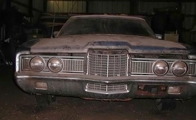 031916 Barn Finds - 1972 Ford LTD 4