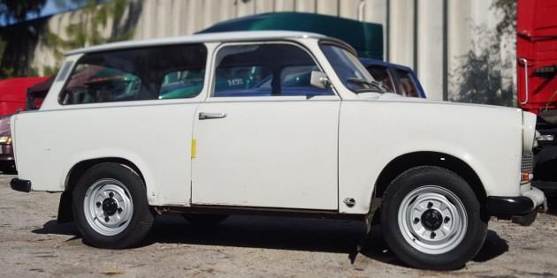 033016 Barn Finds- 1978 Trabant 601 - 6