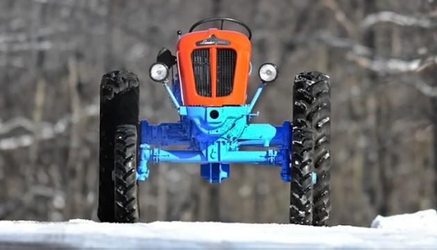 033016 Barn Finds- 19XX Lamborghini 1R Tractor - 3