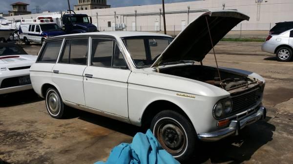 Barn Finds - 1967 Datsun 411 1