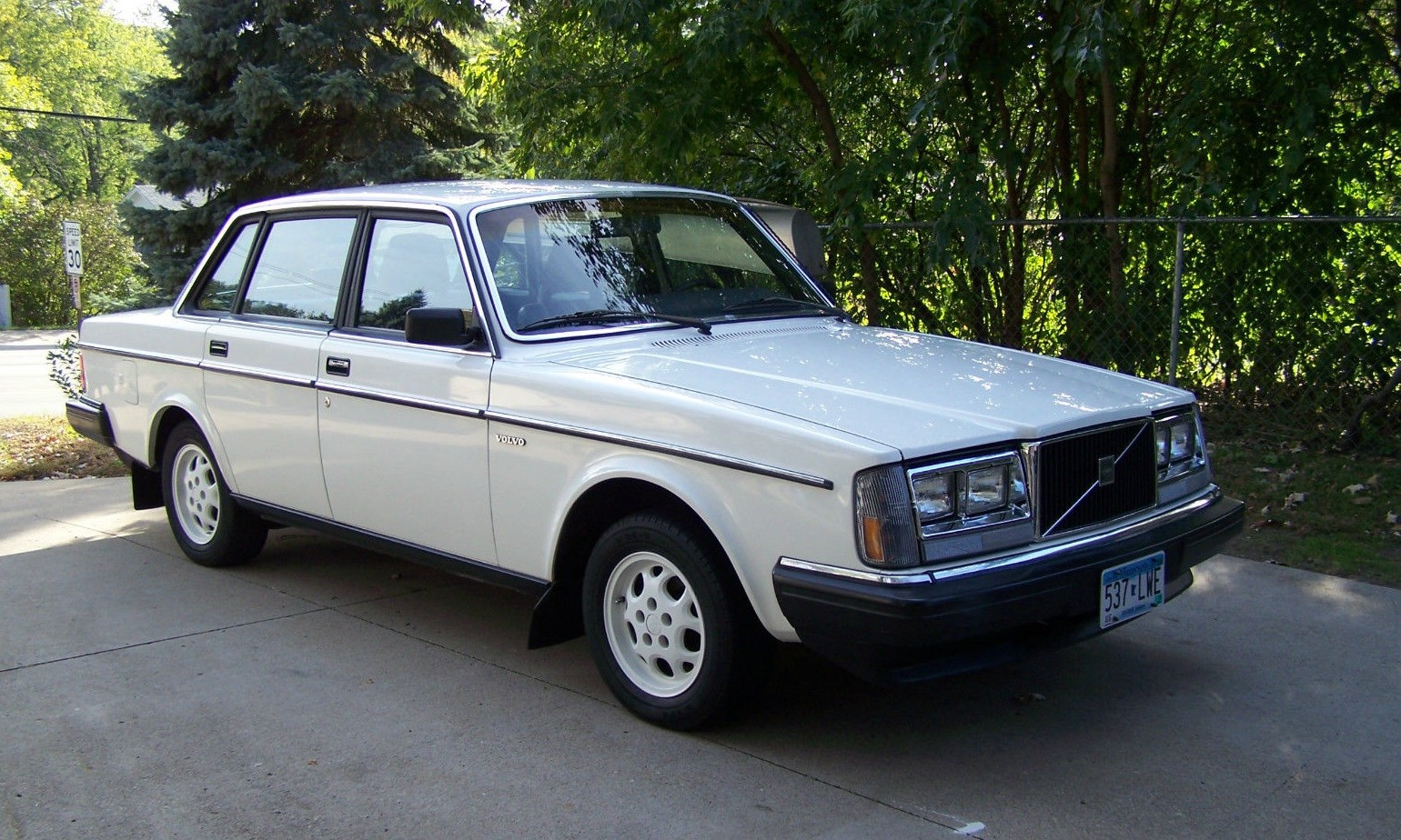 Cop Package 1985 Volvo 240 Police Car