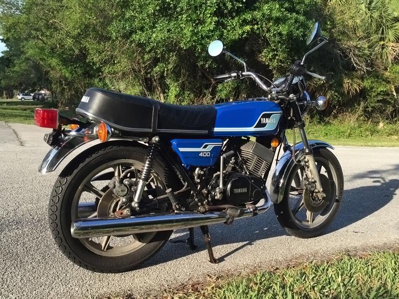 Blue Beauty: 1977 Yamaha RD400