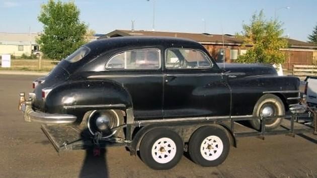040516 Barn Finds - 1948 Chrysler - 2