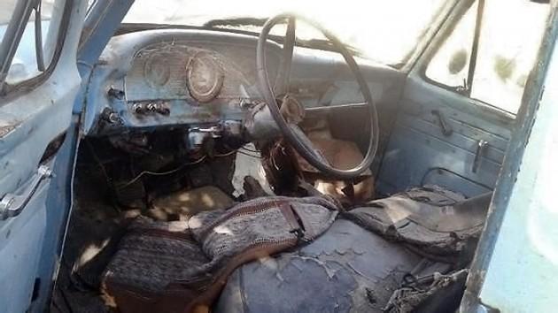 040916 Barn Finds - 1961 Ford Unibody - 3