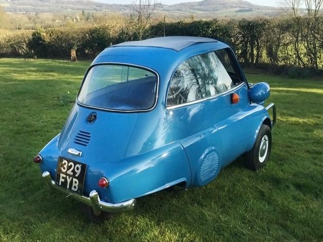 041116 Barn Finds - 1959 BMW Isetta 300 - 4