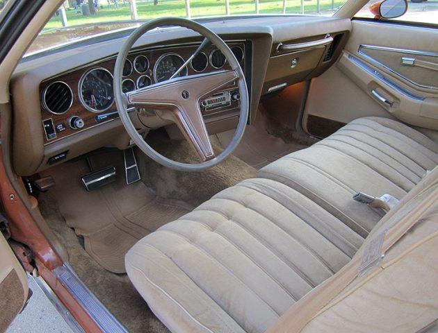 041516 Barn Finds - 1977 Pontiac Grand Prix - 4