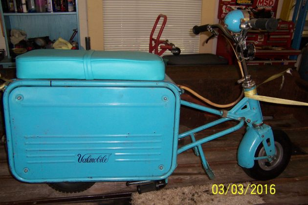Suitcase Scooter: 1962 Valmobile
