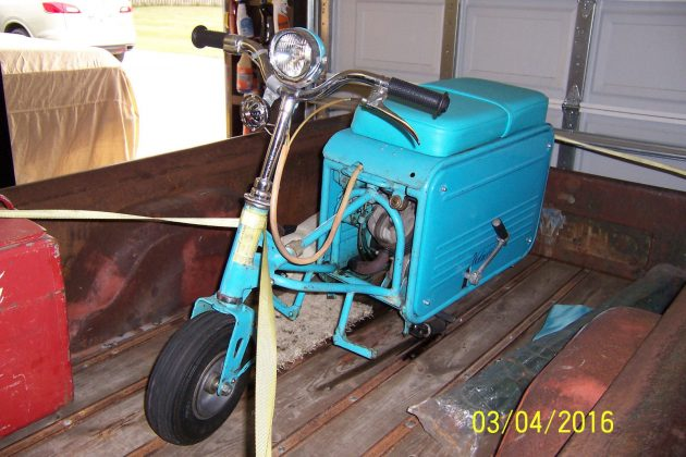 042516 Barn Finds - 1962 Valmobile Scooter - 3
