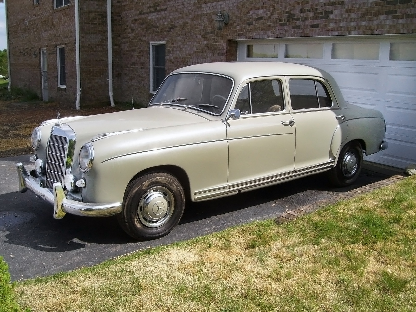 Preserved ponton 1959 mercedes benz 220s for Mercedes benz 220s for sale