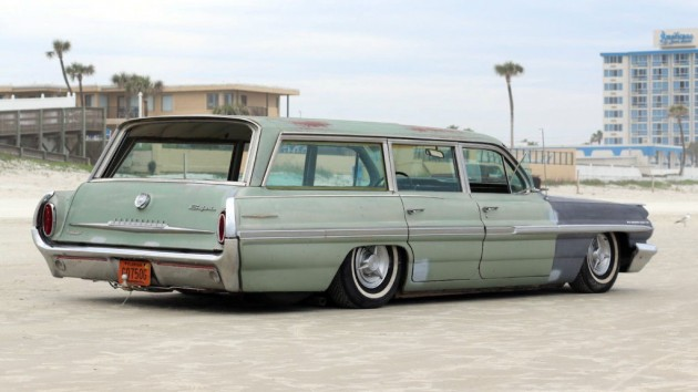 1962 Pontiac Safari Wagon