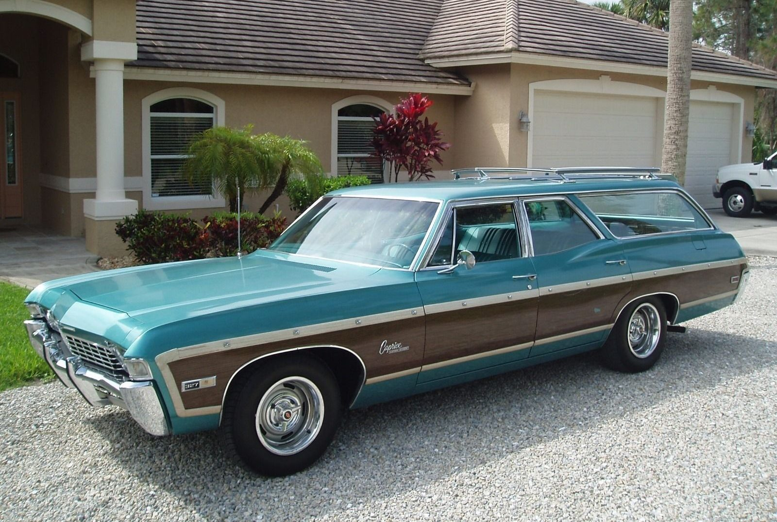 turquoise gem 1968 chevrolet caprice wagon survivor. Black Bedroom Furniture Sets. Home Design Ideas