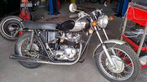 Clean And Bonny: 1971 Triumph Bonneville