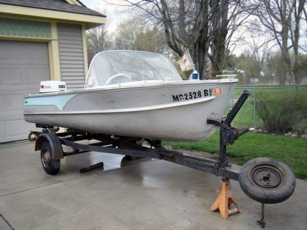 050416 Barn Finds - 1957 Cadillac Boat - 3