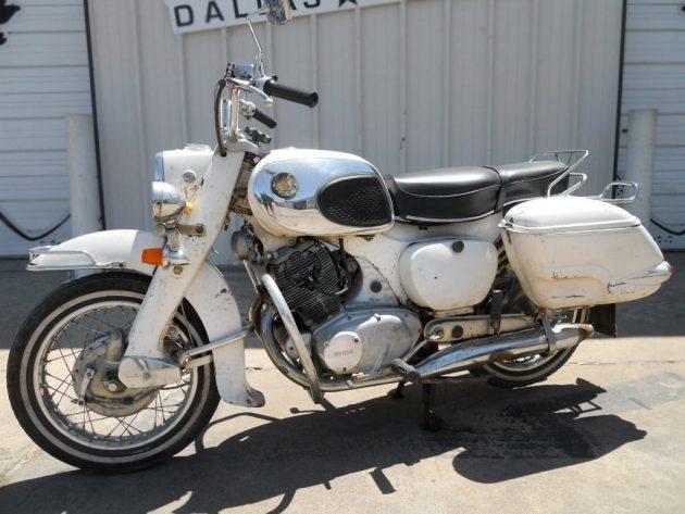 051116 Barn Finds - 1967 Honda Dream - 2