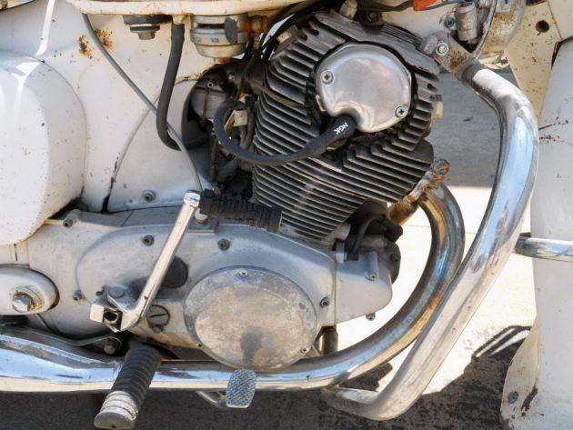 051116 Barn Finds - 1967 Honda Dream - 4